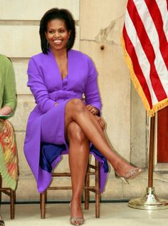 Go Mrs O!  Glamour Magazine Vitamin G:  Michelle Obama wakes up at 4:30 AM to work out.