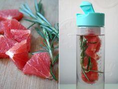 Water saai? Niet als je er een lekker smaakje aan toevoegt. Iris geeft tips op het blog voor de lekkerste fruitsmaakjes.