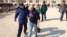 Imaginea familiei tradiționale, o amenințare pentru Republica Franceză - ILD Second Child, The Man, Father, Feelings, Couples, Children, How To Wear, Holding Hands, Police