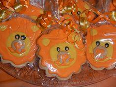 lion sugar cookie favors by Mercibeaucookies.blogspot.com