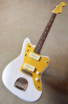 Guitar Room, Guitar Art, Cool Guitar, Acoustic Guitar, Electric Guitar And Amp, Electric Guitars, Chicago Concerts, Fender Bender, Guitar Painting