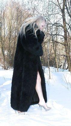 Fox 6, Sexy Women, Women Wear, Coats For Women, Mantel, Heeled Boots, Faux Fur, Erotic, Warm