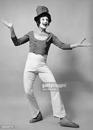 """Résultat de recherche d'images pour """"mime marceau"""" Mime Marceau, Sporty, Images, Style, Fashion, Search, Swag, Moda, Stylus"""