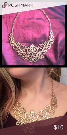 Large gold necklace Oversized gold segmented necklace. Beautiful statement necklace. Perfect condition! Adjustable secure hook in back Forever 21 Jewelry Necklaces