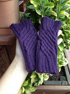 Ravelry: sockmachine's Gramma's birthday fingerless gloves