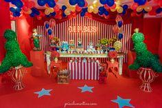 modelo de ornamentação de recepção para festa de circo - Pesquisa Google