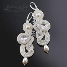 682 Anna Lipowska LiAnna Biżuteria sutasz   soutache  www.lianna.blox.pl Soutache Earrings, Drop Earrings, Silk Ribbon, Shibori, Beaded Embroidery, Jewelry Crafts, Wedding Jewelry, Wedding Styles, Belly Button Rings