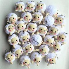 Choose your lamb! Crochet Patterns Amigurumi, Amigurumi Doll, Crochet Dolls, Amigurumi Tutorial, Crochet Sheep Free Pattern, Crochet Keychain Pattern, Cute Crochet, Crochet Crafts, Crochet Projects