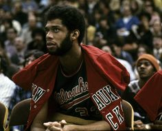 The Bucks drafted Kareem Abdul- Jabber in 1969 when he was Lew Alcindor. Kareem won 6 NBA championships, Six MVP's and is the all-time leading scorer in NBA History, Respect Your Elders, Nba Funny, Kareem Abdul Jabbar, Nba Pictures, Nba Championships, Sports Figures, Milwaukee Bucks, New Politics, Captain Hook