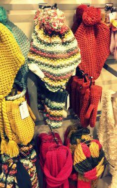 Como Montar uma Loja de Roupas Moda Fitness Modinha Moda Feminina Artigos para Bebês Loja de roupas e Bijouterias Acessórios e Bijouterias Para saber mais como organizar e montar uma loja de roupas entre em nosso site e confira: www.engetecno.com.br