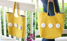 Get ready for a big day of shopping with a big tote bag pattern from @Make It and Love It.