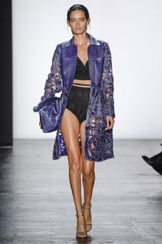 Dennis Basso Spring 2016 Ready-to-Wear Fashion Show