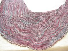 Made in Dotquilts knitting classes. A pattern from Ysolda Teague (damson). It required just one skein of Malabrigo Sock.