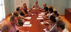 SALOBREÑA. Esta mañana, en el Ayuntamiento de la Villa, ha tenido lugar la primera sesión ordinaria del Consejo escolar Municipal presidido por el concejal delegado del área