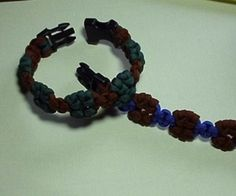 How to Make an Islands Paracord Bracelet