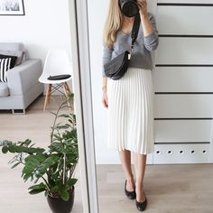 Dzień dobry w tę piękną i słoneczną niedzielę! Co planujecie? Ja po dwóch #office#outfit#work#wear Office Outfits Women, Summer Outfits Women, Define Classy, Classy Business Outfits, Pants For Women, Clothes For Women, Lovely Dresses, Classy Women, My Outfit