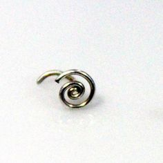 Spiral Nose Ring by melissawoods on Etsy Wire Jewelry, Jewelry Crafts, Unique Jewelry, Jewellery, Nose Stud, Making Out, Etsy Earrings, Spiral, Cool Designs