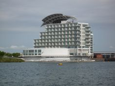 St. David Hotel, Cardiff. LUxury hotel and spa overlooking Cardiff Bay.