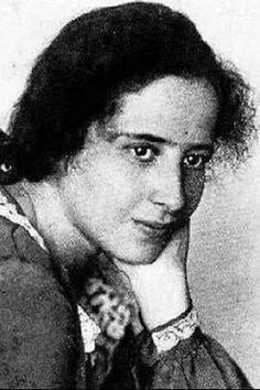 Hannah Arendt - tengo p leer hace tiempo unos escritos de HA sobre educación, y ahora q tengo tiempo p leerlos, los perdí! D: Ni siquiera los encuentro en la red, qué pecado