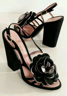 ab2981e2084 Chanel Black Leather Sandals