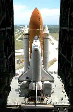 We were lucky enough to see 2 successful space shuttle launches in 2010. One of them was Discovery STS-131 on April 5