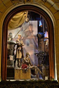 Fall window display at the Ralph Lauren Saint Germain store in Paris. Très, très bien!