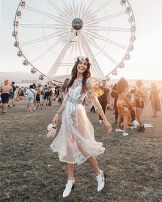 Ideas Music Festival Outfit Coachella Style For 2019 Coachella Festival, Coachella Dress, Coachella Looks, Music Festival Outfits, Music Festival Fashion, Coachella 2018, Coachella Style, Fashion Music, Festival Clothing