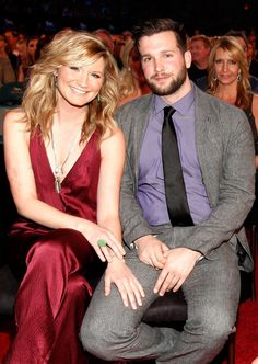 Pin for Later: Get to Know Your Favorite Country Couples Jennifer Nettles and Justin Miller