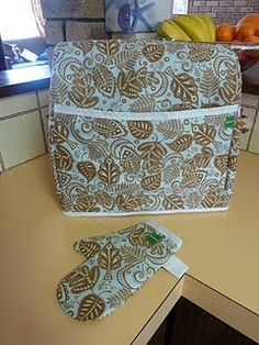Kitchenaid mixer cover and oven mitt patterns @Susie Sun Murray Can you make this?