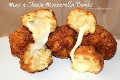 Mac and cheese mozzarella bombs