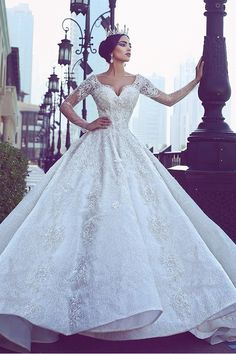 Glamorous Tulle & Lace V-neck Neckline A-line Wedding Dresses With Beaded Lace Appliques