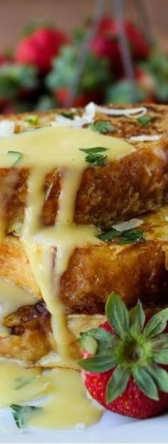 Savory Parmesan French Toast With Hollandaise Sauce ~ Here is a new great way to enjoy classic breakfast or brunch dish!
