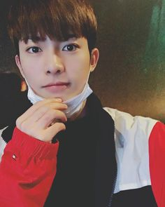 "12.2k Likes, 254 Comments - 김진홍 JINHONG (@24k_hong) on Instagram: ""이번 주도 파이팅"""