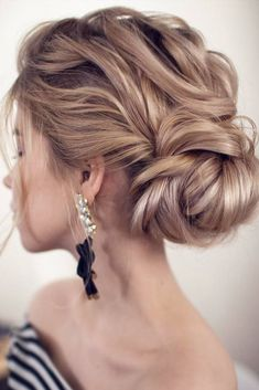24 Drop Dead Gorgeous Updos For Long Hair – Hair Styles Club Best Wedding Hairstyles, Cool Hairstyles, Bridal Hairstyles, Anime Hairstyles, Hairstyles Videos, Classy Updo Hairstyles, Side Bun Hairstyles, Romantic Hairstyles, Black Hairstyles