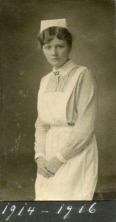 Portrait of a nurse, Germany, ca. Feb people, World War 1 Wilhelm Ii, Kaiser Wilhelm, History Of Nursing, Medical History, World War One, First World, Old Photos, Vintage Photos, Nursing Pictures