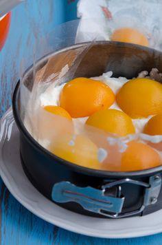Tort cu piersici si iaurt - Din secretele bucătăriei chinezești Agar, Romanian Food, Romanian Recipes, Punch Bowls, Bacon, Food And Drink, Cooking Recipes, Ice Cream, Sweets