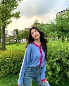 Fotoğraf - Google Fotoğraflar Red Velvet Joy, South Korean Girls, Korean Girl Groups, Park Sooyoung, Joy Instagram, Instagram Posts, Korean Singer, Kang Seulgi, Kim Yerim
