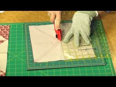 Quilting Quickly - Stars For Edith: Big Blocks Mean an Easy Star Pattern Star Quilts, Quilt Blocks, Star Blocks, Quilting Tips, Quilting Tutorials, Star Patterns, Quilt Patterns, Layer Cake Patterns, Patterns