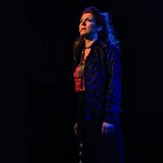 Carmen Luongo interpreta Andromaca