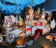 Christmas LIGHTED TRAIN TUNNEL Village Display platform base Dept 56 Lemax