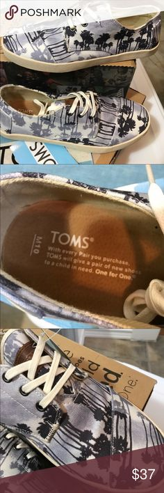 TOMS-Palm trees and Passos-size 10 TOMS, PASEOS, BLUE PALM TREES, MENS, BLUE, US 10M, NEW WITH BOX TOMS Shoes