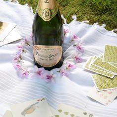 Perrier Jouet, Champagne, Bottle, Drinks, Tableware, Drinking, Beverages, Dinnerware, Flask