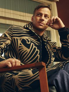 Another photo of Tom Wlaschiha from the GQ MAGAZINSourceFrom:https://www.facebook.com/tomwlaschihafanpage/