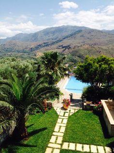 Greece Holiday, Crete, Apartments, Sidewalk, Patio, Outdoor Decor, Home Decor, Modern Architecture, Trendy Tree