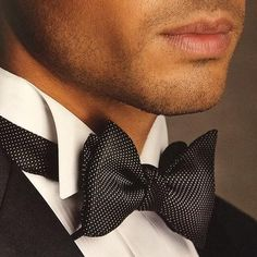 Men's Style sharp in black and white bow tie