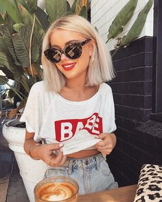 Hairstyles and Beauty: The Internet`s best hairstyles, fashion and makeup pics are here. Casual Fall Outfits, Trendy Outfits, Summer Outfits, Cute Outfits, Fashion Outfits, 90s Fashion, Laura Jade Stone, Looks Instagram, Short Blonde