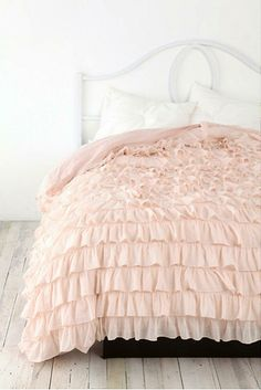 Such cute bedding!