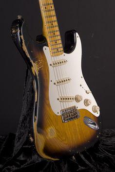 Fender Custom Shop Time Machine '56 Stratocaster Relic - 2 Tone Sunburst