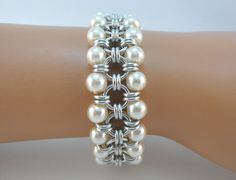 Japanese chainmaille bracelet with ivory glass pearls, Chainmail bracelet, Chain mail bracelet