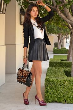 Discover and organize outfit ideas for your clothes. Decide your daily outfit with your wardrobe clothes, and discover the most inspiring personal style Look Fashion, Womens Fashion, Fashion Design, Fashion Trends, Fall Fashion, Petite Fashion, Fashion 2016, Curvy Fashion, Fashion Bloggers